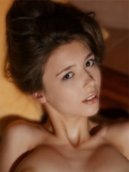 レアンヌ 金髪外国人デリバリーヘルスユーロスタイル大阪店 (高槻発)