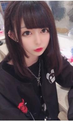かな 業界未経験モデル級美女 (神田発)