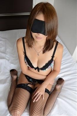 モナ 淫乱ペットゴム無し性奴隷 (新大阪発)