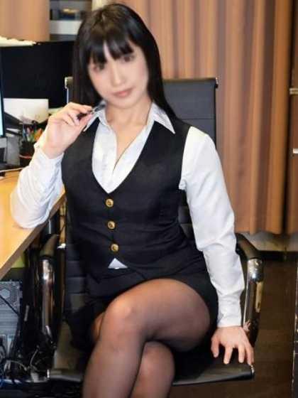 さとみ 現役OLたちの秘密のアルバイト シークレットオフィス (新宿発)