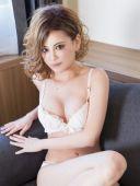 カオリ(32)