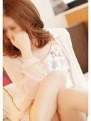 真悠子(28)