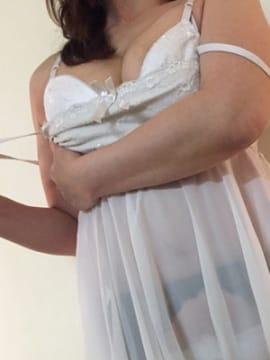 Eカップ変態痴女若妻◎色白エロボディ♪