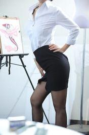 美術大学 現役講師 A子