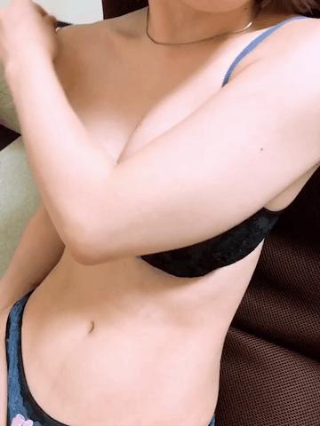 乳首が…Dカップのかゆちゃん!
