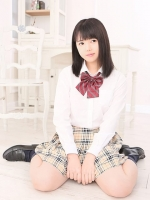 あかり (18) B86 W57 H84