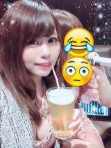 ビールをストローで飲む人(○´・ω・`○)